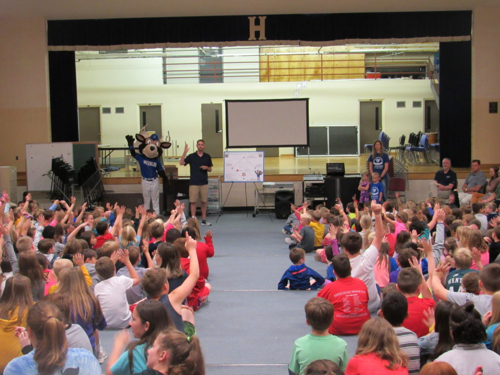 Waterloo Bucks Summer Reading Program hold assembly for elementary students to read in the summer.